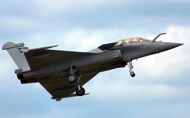 Indie převzala první stíhací letouny Dassault Rafale pro své letectvo