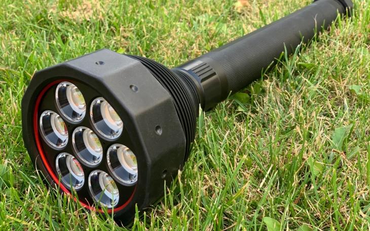 Svítilna LED Lenser X21R – nejlepší přítel hasiče, policisty a záchranáře