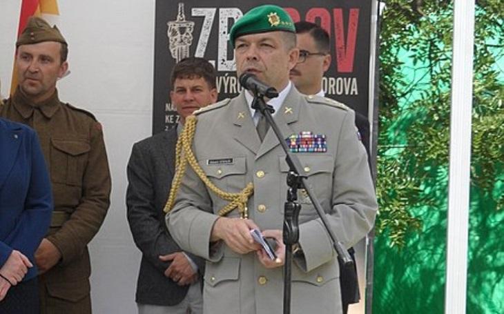 Kauza Stehlík: Výbor ,,zaklekl&quote; na Metnara. Ministr obrany přehodnocuje pozici uznávaného historika