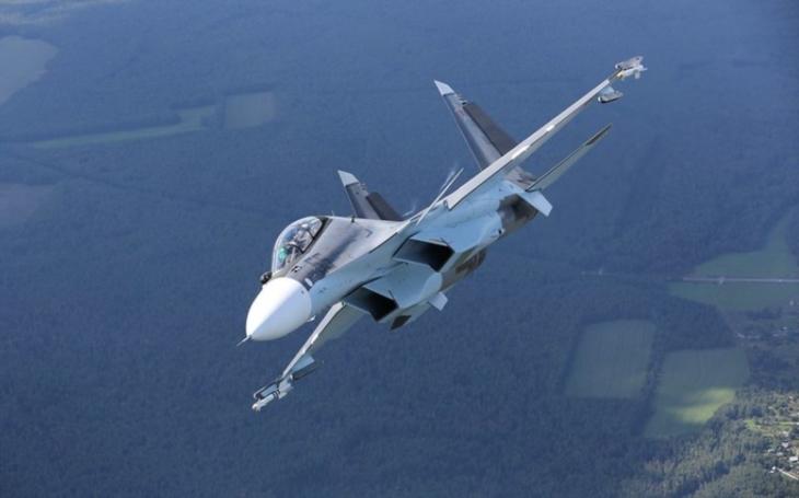 Běloruské vzdušné síly dostaly dva víceúčelové stíhací letouny Su-30SM, další dodávka bude následovat