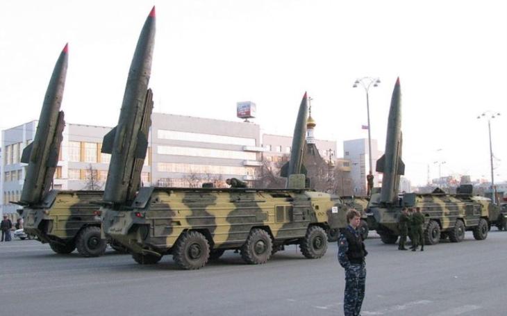9K79 Točka - Sovětský mobilní raketový komplex s proměnnými hlavicemi. AČR jej odepsala