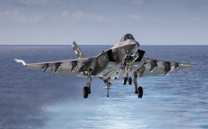 Všechny tři verze letounu F-35 se porouchávají příliš často, prohlásil šéf operačního testování Pentagonu