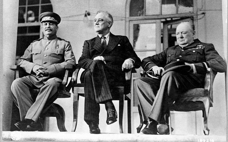 Zapomenuté příběhy - Trojitý atentát zmařen. Stalina, Churchilla i Roosevelta zachránil sovětský špion alkoholovou lstí