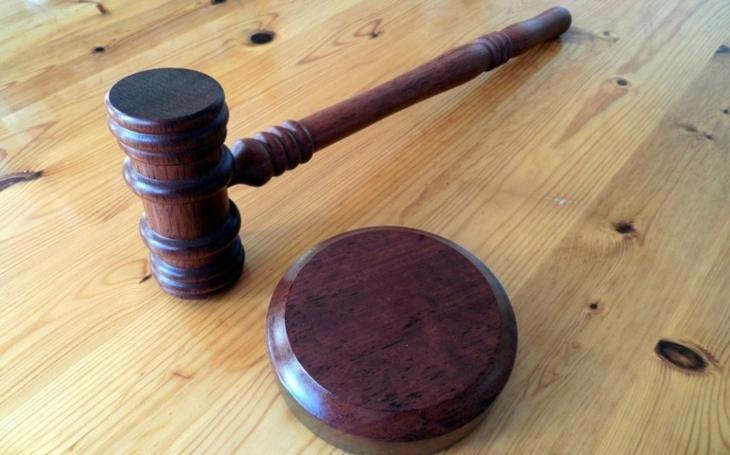 Neklidný soudní advent