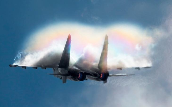 Běloruskému analytikovi se ,,nepozdávají&quote; dodávané stíhače Su-30SM z Ruska, operační náklady jsou prý vyšší než americké u F-16