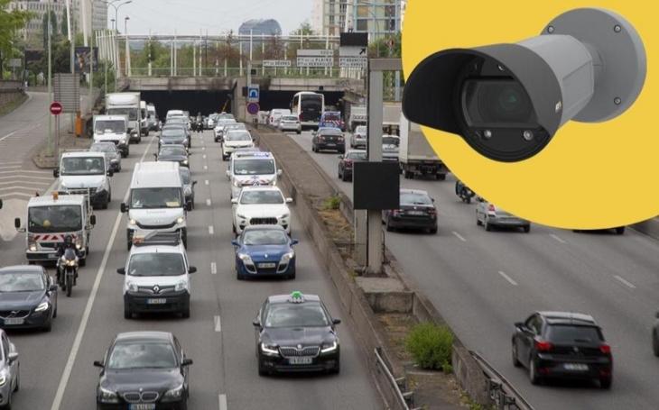 Česká města testují novou dopravní aplikaci pro kamery Axis. Kromě SPZ rozpozná i barvu a výrobce vozidla