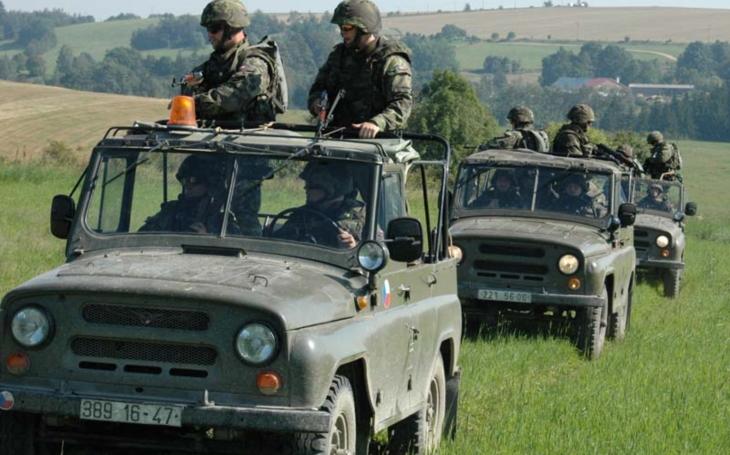 Armáda: víme, co chceme? Místo osobního terénního automobilu nákladní pickup