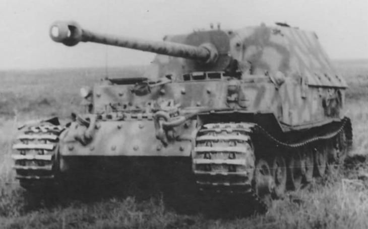 Noční můra sovětských tankistů – těžký stíhač tanků Ferdinand/Elefant
