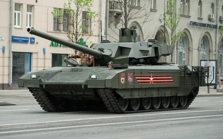 Kde jsou Armaty? Ruské pozemní síly stále nemají první várku nejmodernějších tanků