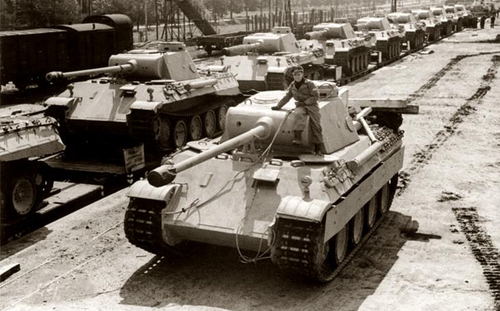 Guderian Hitlera přemlouval. Marně. 80% Pantherů ,,kikslo&quote; v klíčové bitvě za dva dny