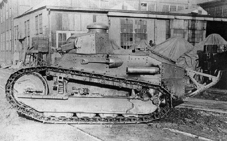 M1917 - Americká verze francouzského legendárního tanku Renault FT-17. Expediční sbory ve Francii se jich nikdy nedočkaly