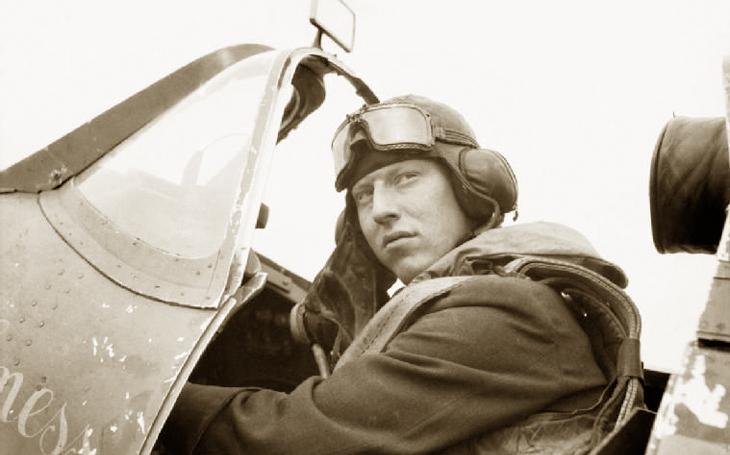 Ve jménu krále: Mstitel Lacey smetl z oblohy německý bombardér, který zaútočil na jeho Veličenstvo