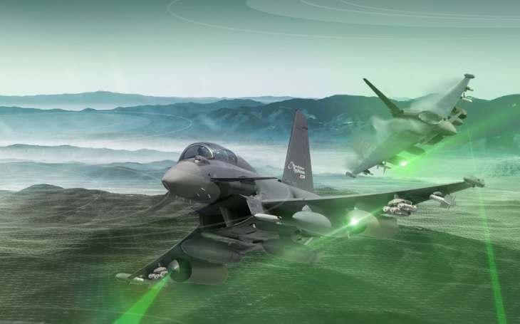 Typhoon ECR: dvoumístný stíhač pro elektronický boj a mise SEAD