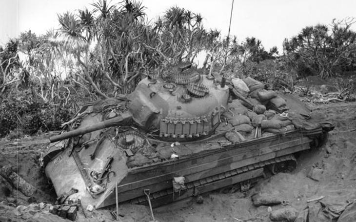 Husarský kousek japonského podporučíka: Na Iwodžimě zničil Sherman Shermanem