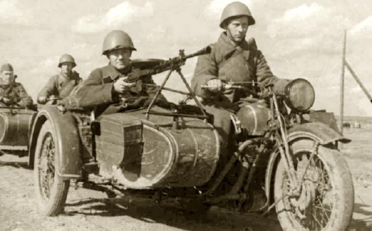 Na motorkách od Moskvy do Berlína - Ural M-72 a jeho německé kořeny