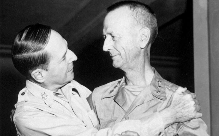 Nejvýše postavený americký válečný zajatec - od výčitek selhání k Medaili cti pro hrdiny