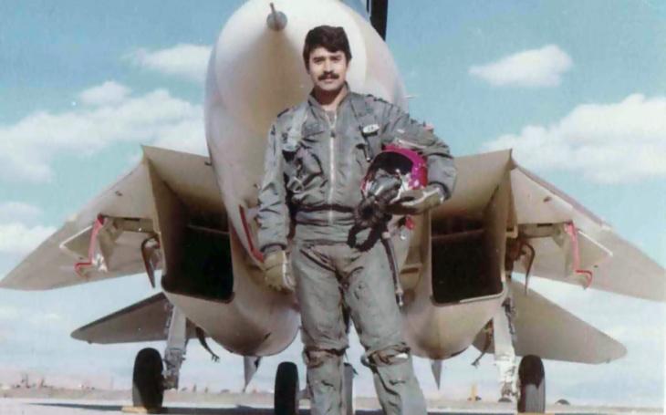 Nejúspěšnější pilot americké legendy F-14 Tomcat? Iránský pilot s růžovou přilbou