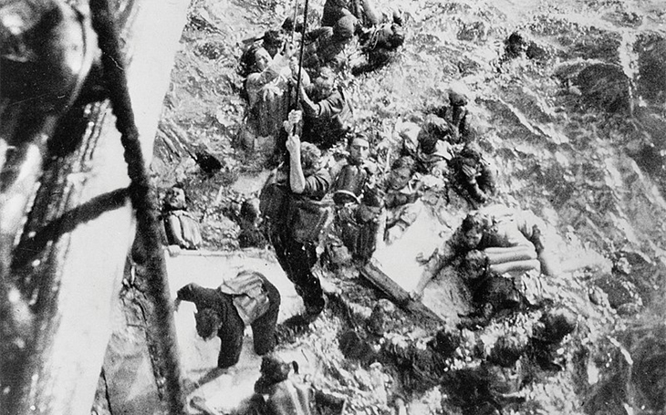 """Příliš drahé """"hračky"""": Poměr cena - výkon u lodí Bismarck a Tirpitz byl zoufalý"""