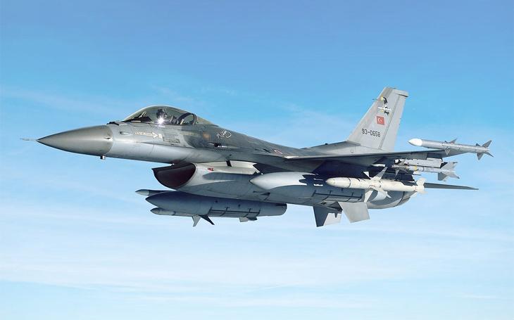 Turecko-syrská válka: turecká F-16 sestřelila nad Idlíbem syrský L-39 Albatros