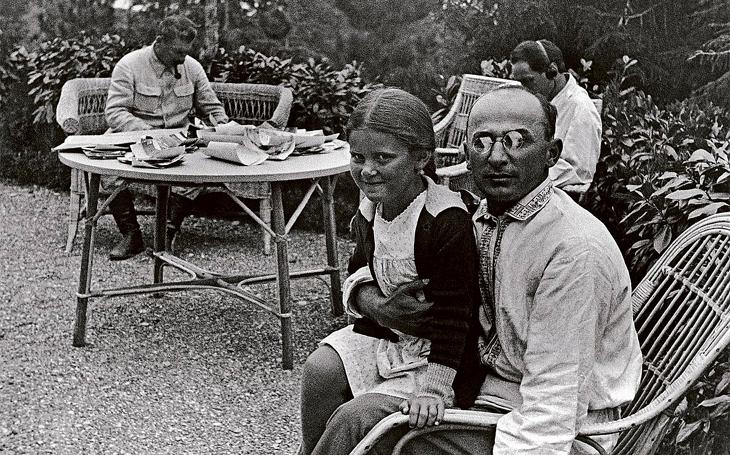 Stalinova dcera emigrovala za vlády Brežněva do USA. Návrat ale nevydržela a zasáhl Gorbačov
