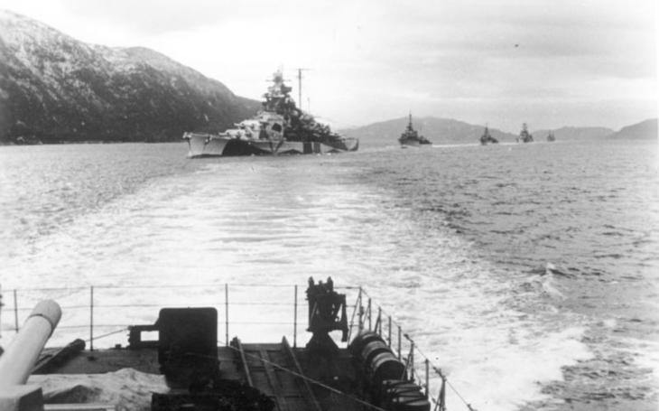 Souboj titánů - Tirpitz vs USS Iowa. Vyhrála by pýcha Hitlerovy Krigsmarine nebo americká bitevní loď?