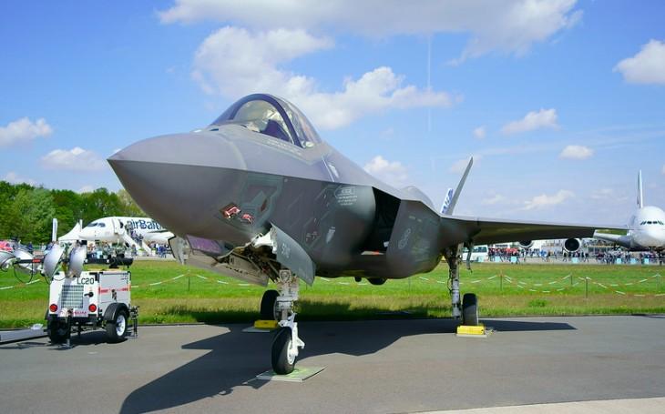 Zvažuje Indonésie nákup letounů F-35 místo ruských Su-35?