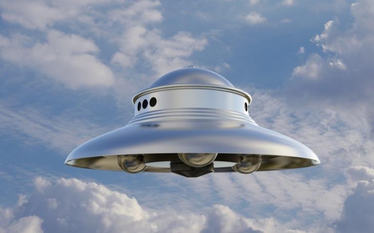Jak americký stíhač zaútočil na americký křižník místo na UFO