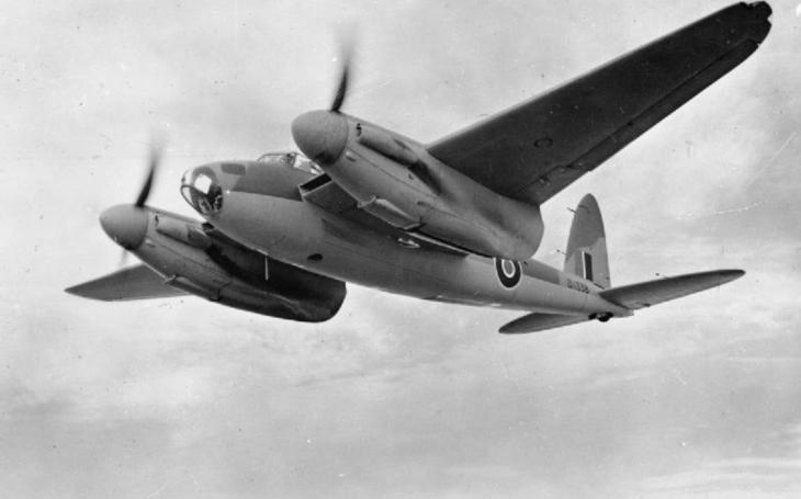 Kanadské stíhací eso sestřelilo tři německé bombardéry za jednu noc