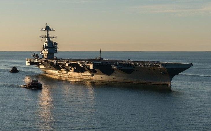 Americké námořnictvo musí reagovat na balistické rakety a nové střely