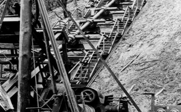 Nacistická zbraň odplaty V-3. Dalekonosné superdělo mělo proměnit Londýn na prach
