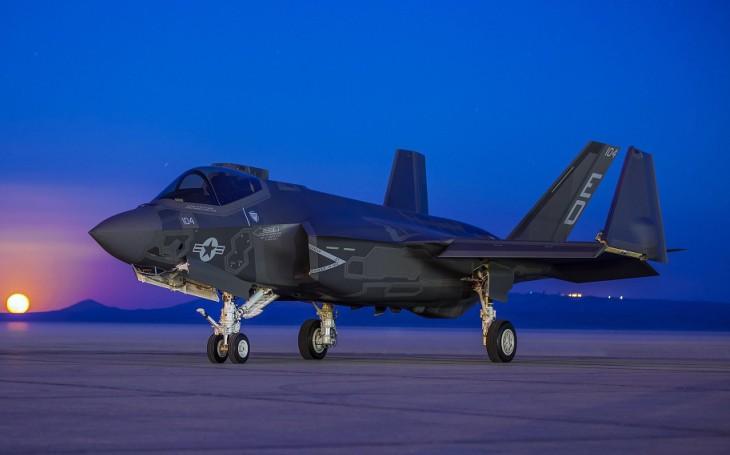 Náš příští stíhač musí nést více raket než F-35, říká japonský ministr obrany