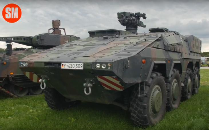 Boxer Bundeswehru na Dnech NATO 2019 - je to opravdu hukot, ale zní krásně