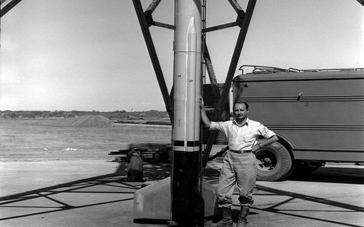 Zapomenuté příběhy - Raketový inženýr Frank Malina vynalezl slavnou bazuku a raději odešel pracovat pro UNESCO