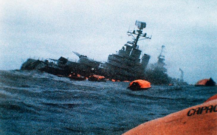 Od roku 1945 byly potopeny ponorkami jen dvě lodě - Britové použili &quote;archaické&quote; torpédo