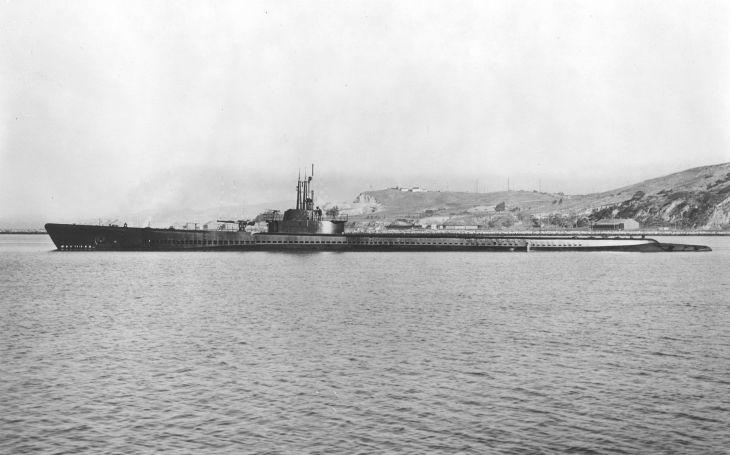 Poslední ,,kulka&quote; pro sebe: Jednu z nejúspěšnějších amerických ponorek potopilo vlastní torpédo. Námořníky zachránil primitivní přístroj