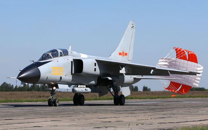 Může dodávka letounů Rafale Indii vychýlit mocenskou rovnováhu v neklidném regionu? Pákistán možná zváží ,,čínskou&quote; odpověď