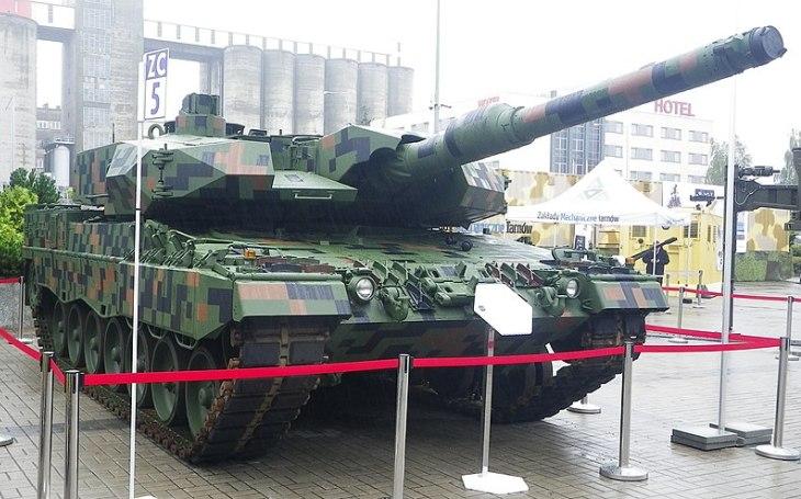 První dva modernizované tanky Leopard 2PL připraveny pro polskou armádu