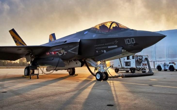 Italský ministr obrany: Dodávky letounů F-35 budou pokračovat dál
