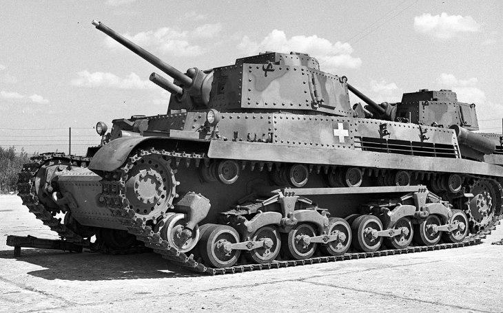 Akorát tak na parádu: Maďarský tank Turán inspirován Škodou neuspěl