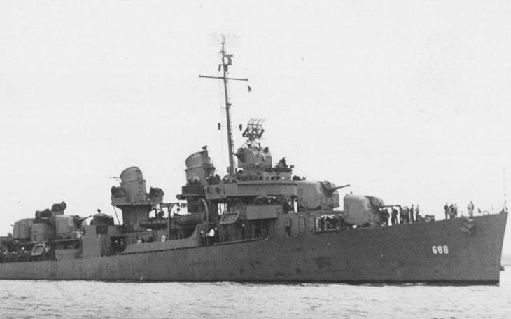 Námořní kříž za statečnost v poslední bitvě bitevních lodí dostal i potomek českých přistěhovalců