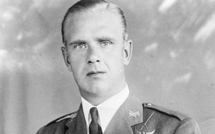 Nejvíce vyznamenaný estonský voják, kterého zlákala uniforma Wehrmachtu. Po válce Alfons Rebane vyměnil německý kabát za britský