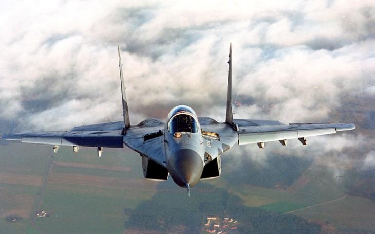 Indické vzdušné síly má posílit 21 letounů MiG-29 a 12 strojů Su-30MKI