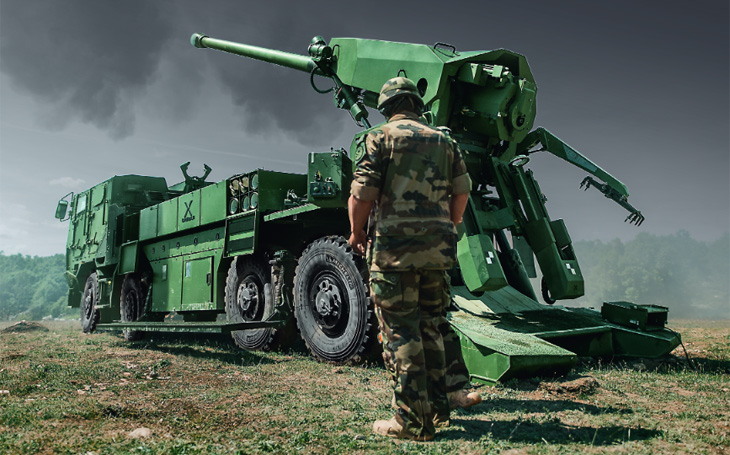 155mm dělostřeleckou munici český obranný průmysl umí - a měl by ji dodávat i pro nová děla CAESAR