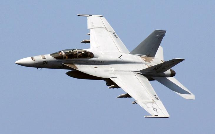 F/A-18E/F Super Hornet poprvé vyzkoušel malou klouzavou pumu GBU-53/B StormBreaker