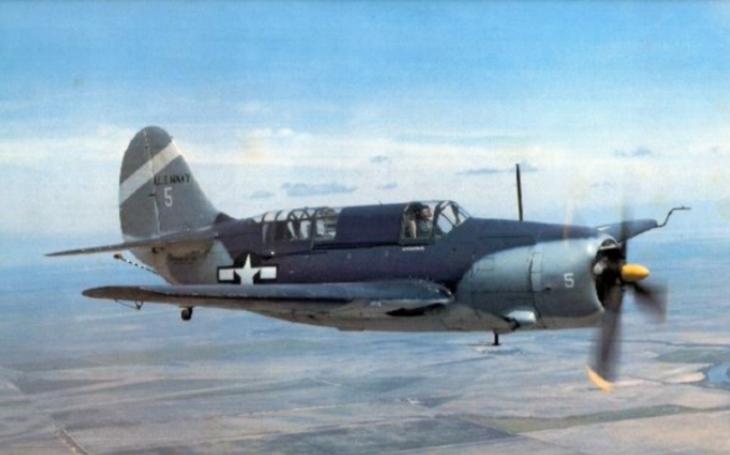 Curtiss SB2C Helldiver - střemhlavý bombardér, který potápělo špatné ovládání i stabilita