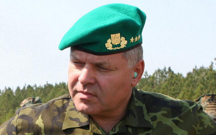 Exnáčelník generálního štábu Štefka: je nutné věnovat pozornost nejen velkým zakázkám. Současná vláda modernizaci armády podporuje
