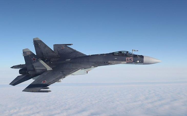 Su-35 stále poutá pozornost