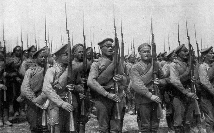 Klíčová postava ruské občanské války se stala hvězdou Evropy. Jediný problém byl, že vůbec neexistovala