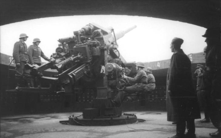 """Hitlerovy protiletadlové hrady – nezničitelné Flaktürme dodnes """"zdobí"""" Berlín, Hamburk i Vídeň"""