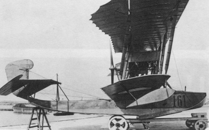 Co Rusové uměli stavět? Létající čluny. Grigorovič M-9 byl nasazen i proti ,,zrádným&quote; bělogvardějcům